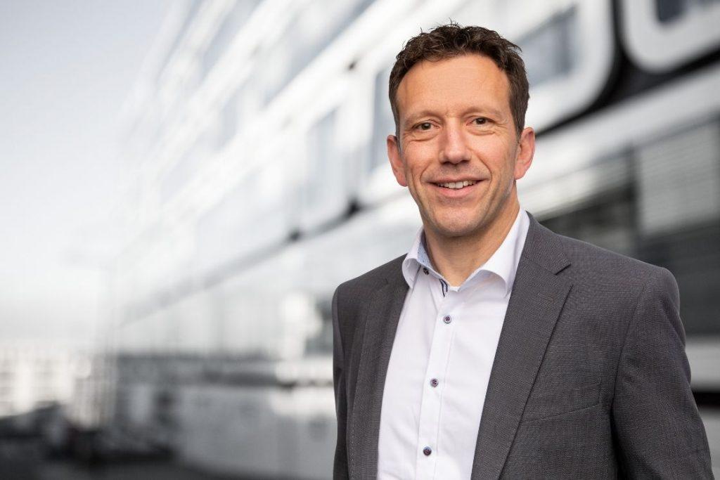 Jürgen Rieger hat 2007 als Senior Consultant bei der Perfect Production GmbH angefan-gen, seit Anfang 2021 ist er Mitglied der Geschäftsleitung.